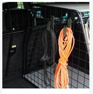 kroge til hundebur bil transport. Letter arbejdet med hundesnorene.
